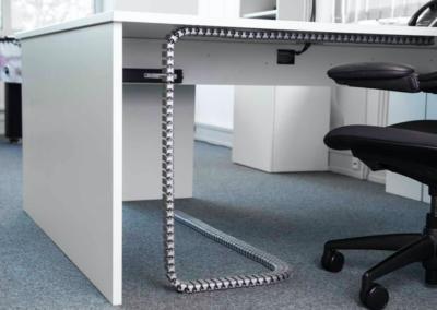 zarządzanie kablami srebrne węże